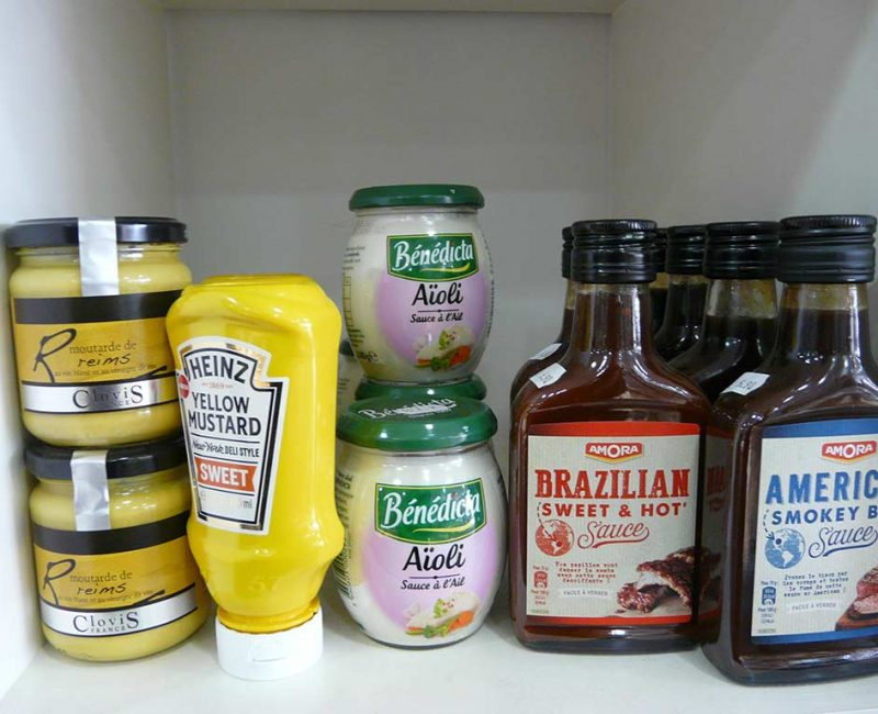 brazilian, american sauces Amora Moutarde de Reims Clovis, Yellow mustard Heinz, aïoli Bénédicta, Brazilian sweet & hot, american