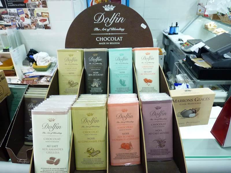 Chocolat Dolfin. Gamme de tablettes de chocolats belges exceptionnels, par ex noir & gingembre frais, aux écorces d'orange confites, aux amandes grillées...
