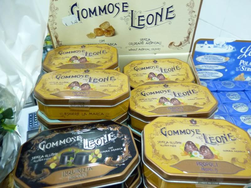 Gommose Leone Boîtes de bonbons Leone à la gomme arabique, sans colorants, sans gluten, à la réglisse, au propolis...