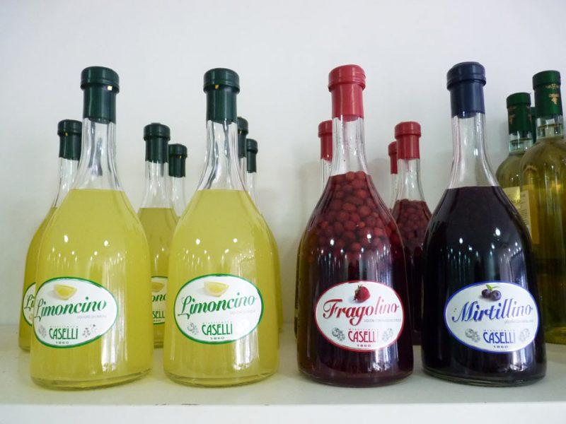 Liqueurs Caselli Liqueurs au citron limoncello, liqueur de myrtilles, liqueur de fraises des bois !