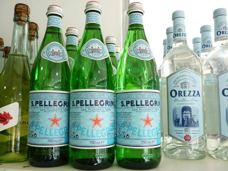 San Pellegrino Eau naturelle gazeuse en bouteilles verre 750 cl