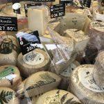 Fromages de brebis : rondin de l'Aveyron, tommes corses, pecorino, basques Ossau-Iraty et Petit Basque, manchego, fêta...